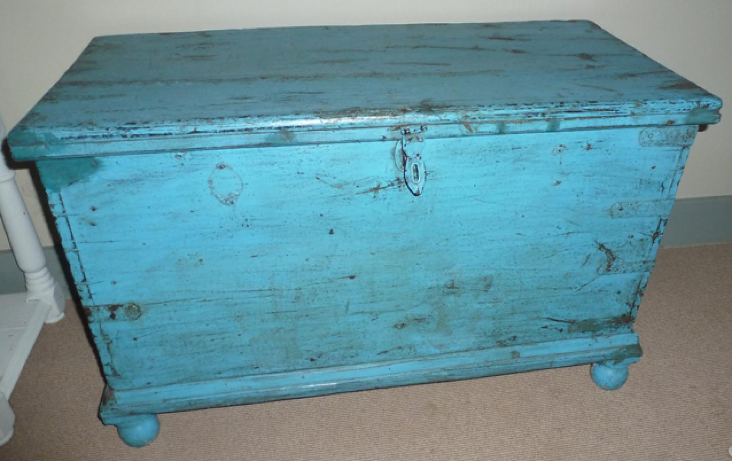 LARGE BOX/TRUNK IN ORIGINAL PAINT