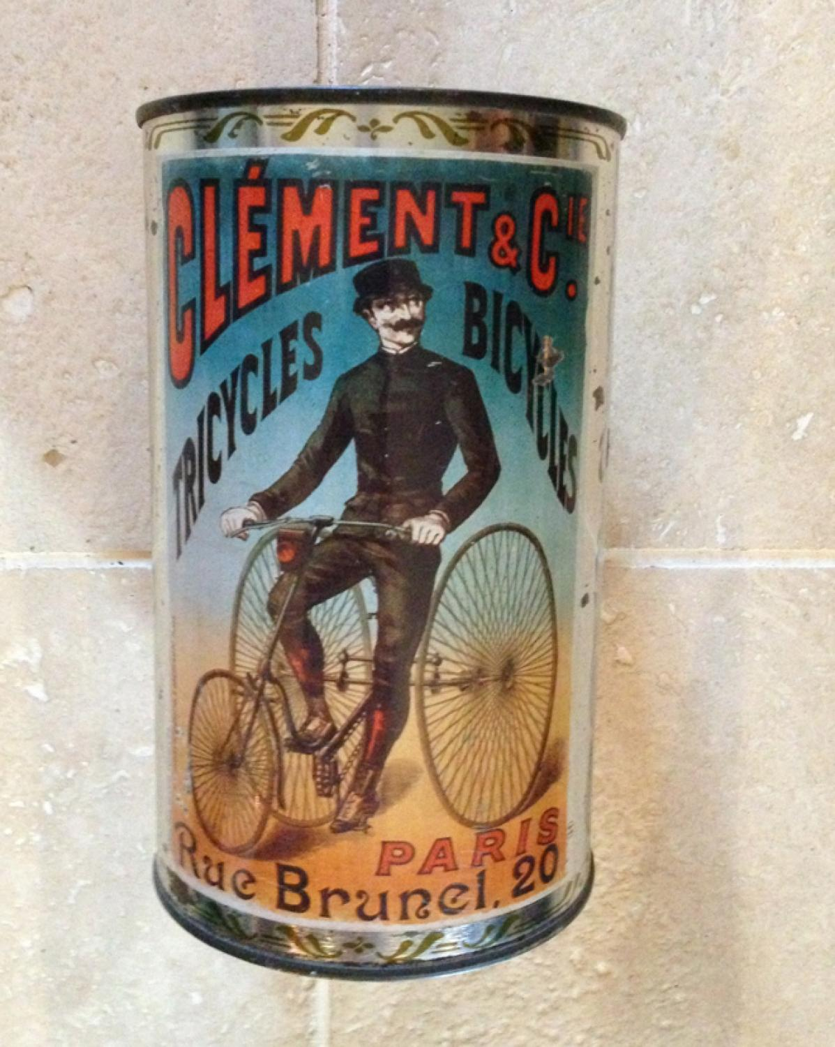 Attractive Vintage French Tin
