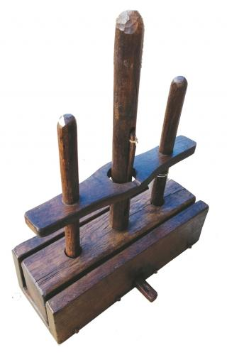 19th Cent Norfolk Deadfall Mouse Trap