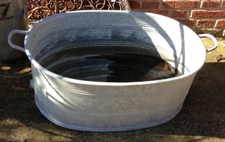 Vintage oval Glvanised wash tub