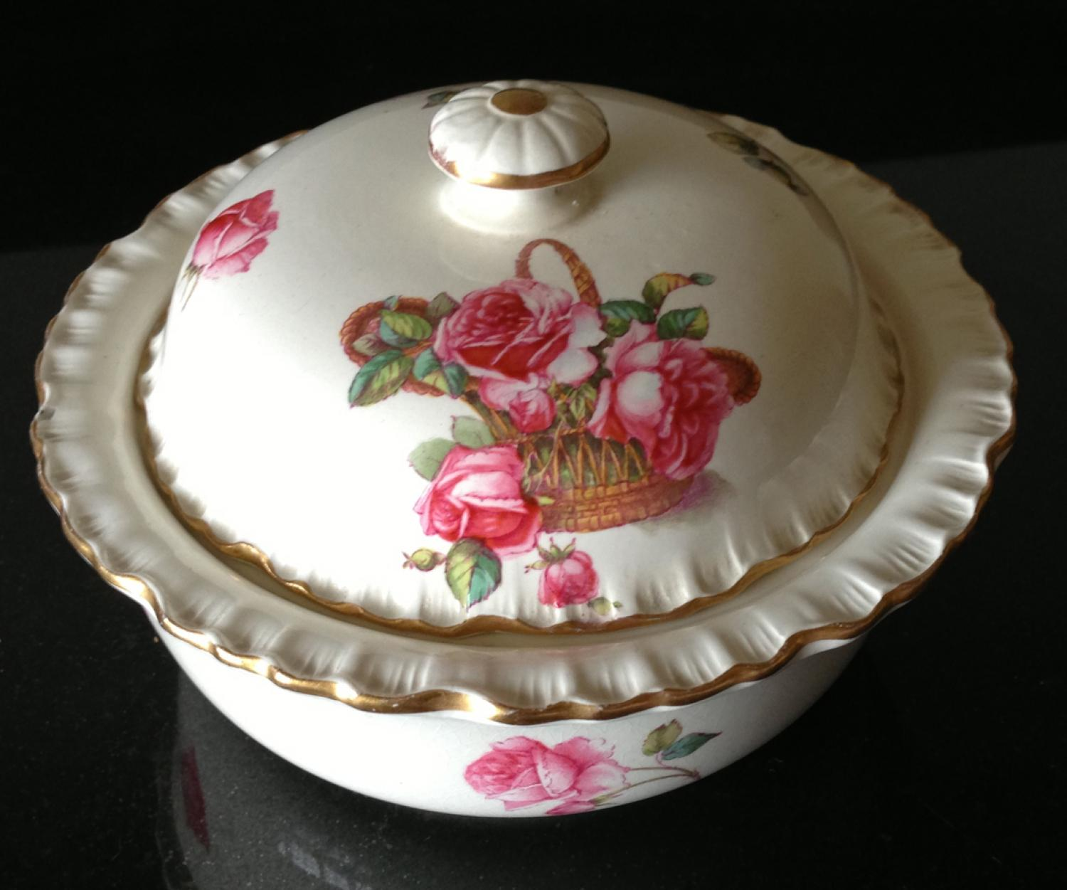 Spode Soap Dish with Lid and Drainer