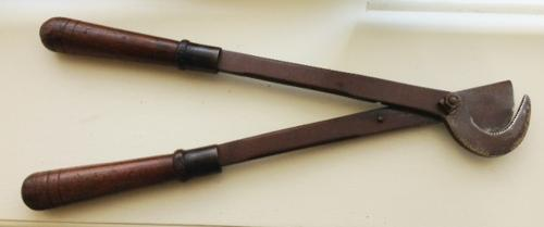 Rare 19th cent Horse Tail croppers