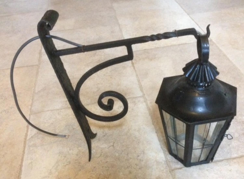 Wall Bracket Lantern
