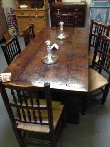 Stunning Oak Dining Table
