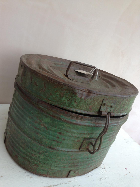 Large Hat Box