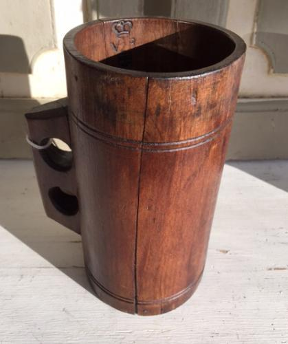 Victorian 1 Quart Seed Measure