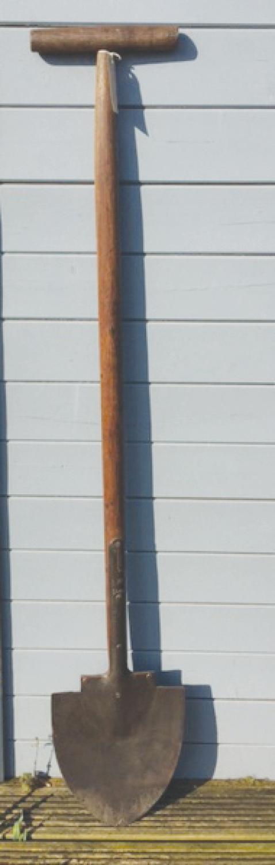 Antique Long Handled Dyke Spade