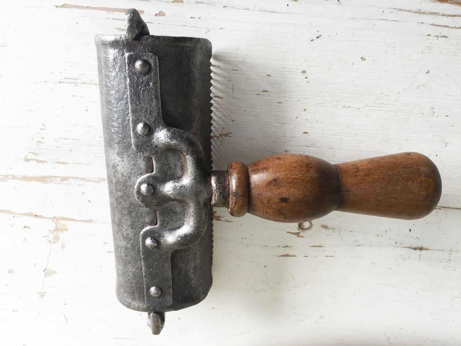 Antique Horse Curry Comb