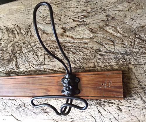 Antique Lion Head Hook Rack