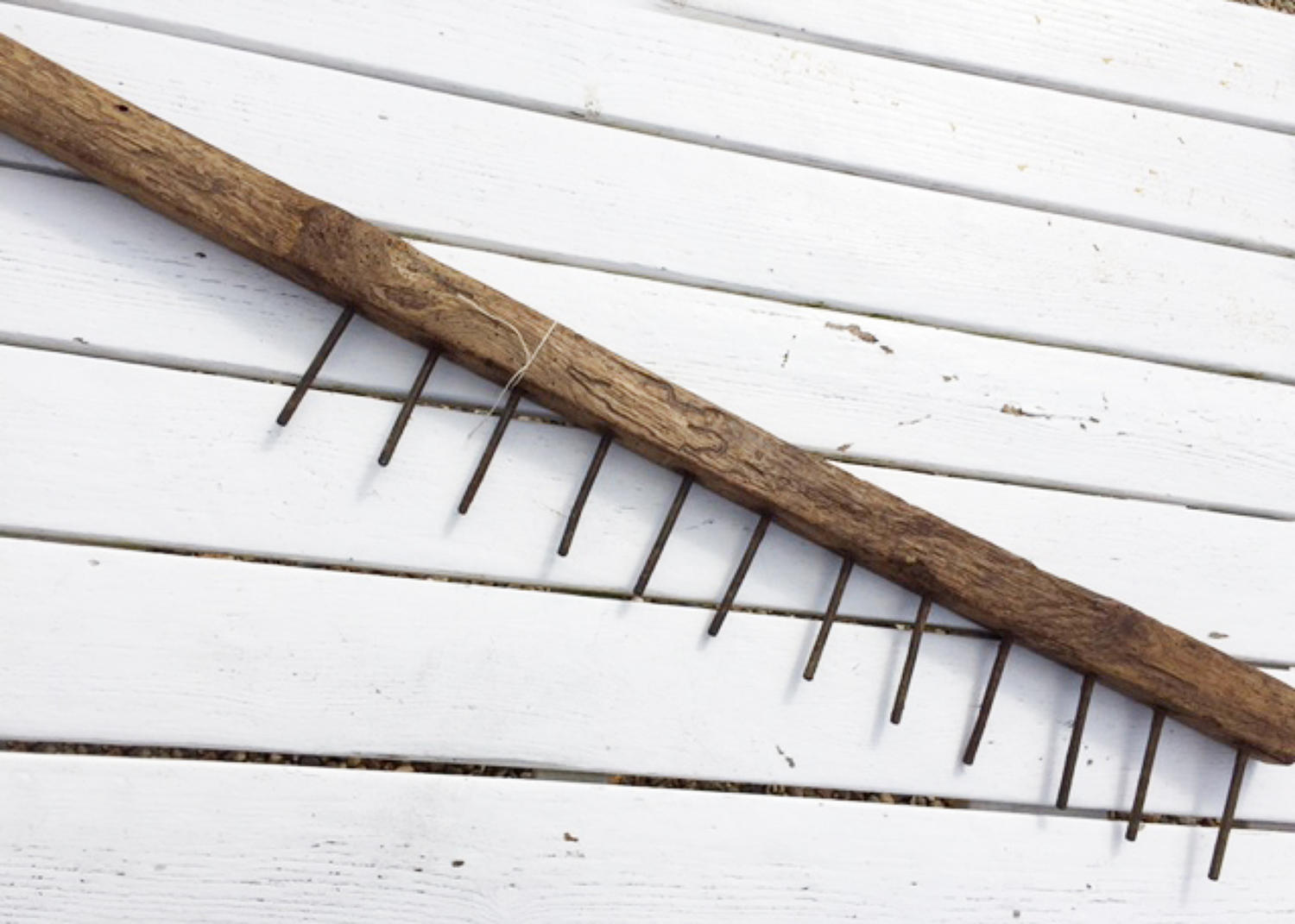 Antique Elm Thatcher's Comb
