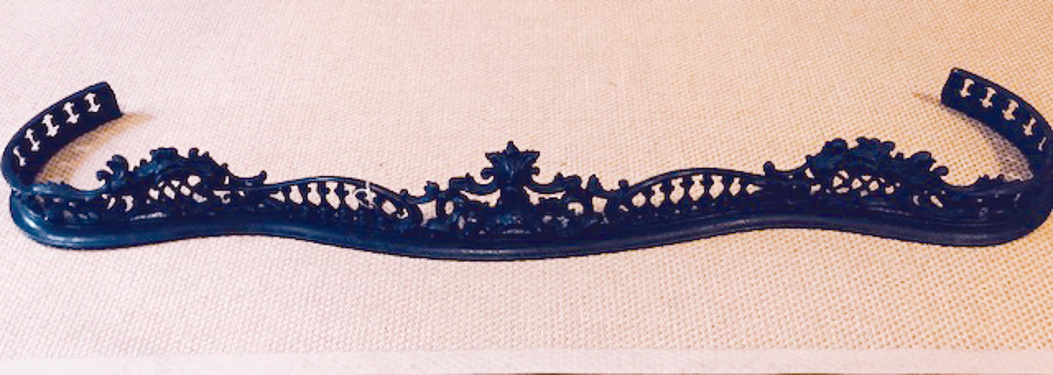 Victorian Serpentine Cast Iron Fender
