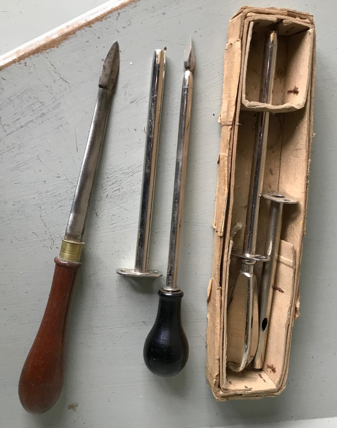 Antique Animal Anti-bloating Knives