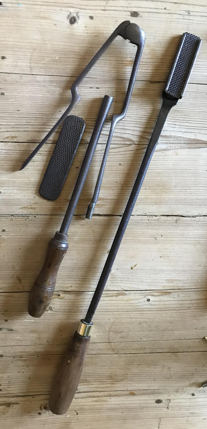 Various Antique Vetinery, Farrier's Irons