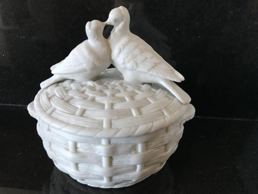 Decorative White Doves Pin Pot