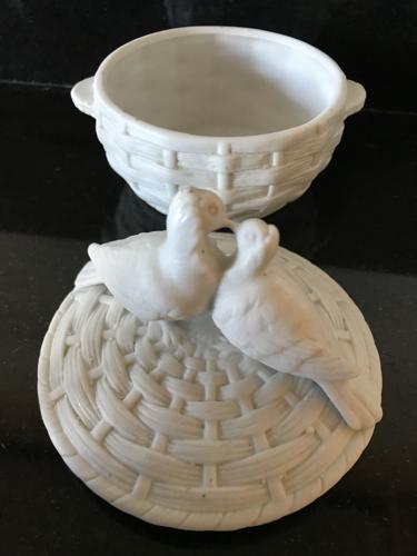 Decorative White Doves Pin Pot