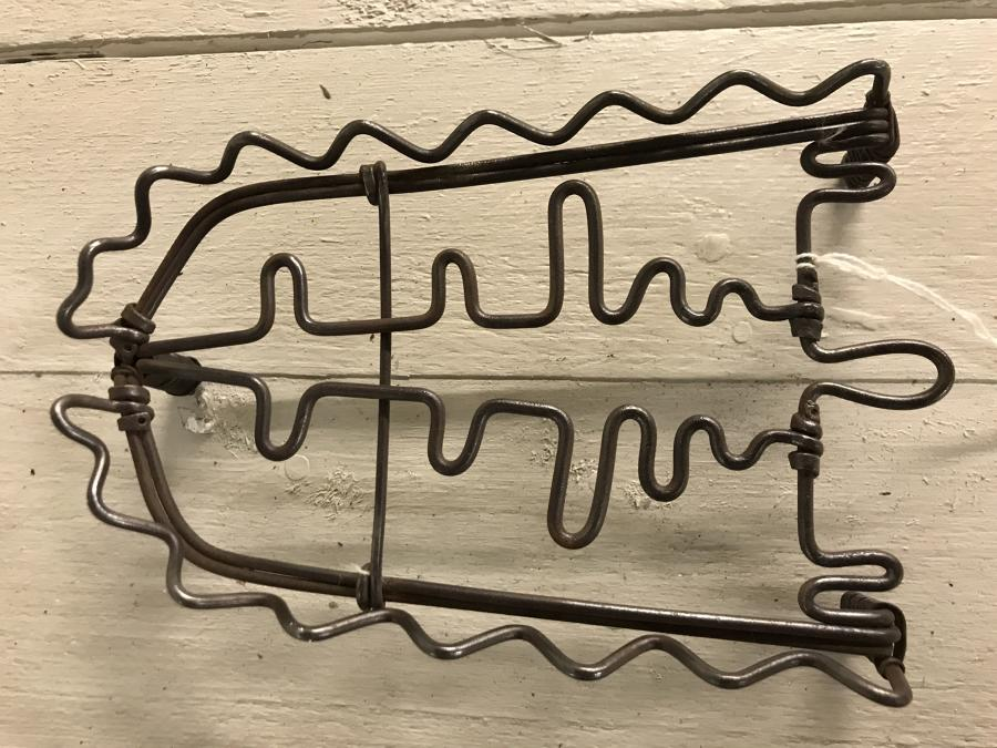 Curly Wirework Iron Trivet
