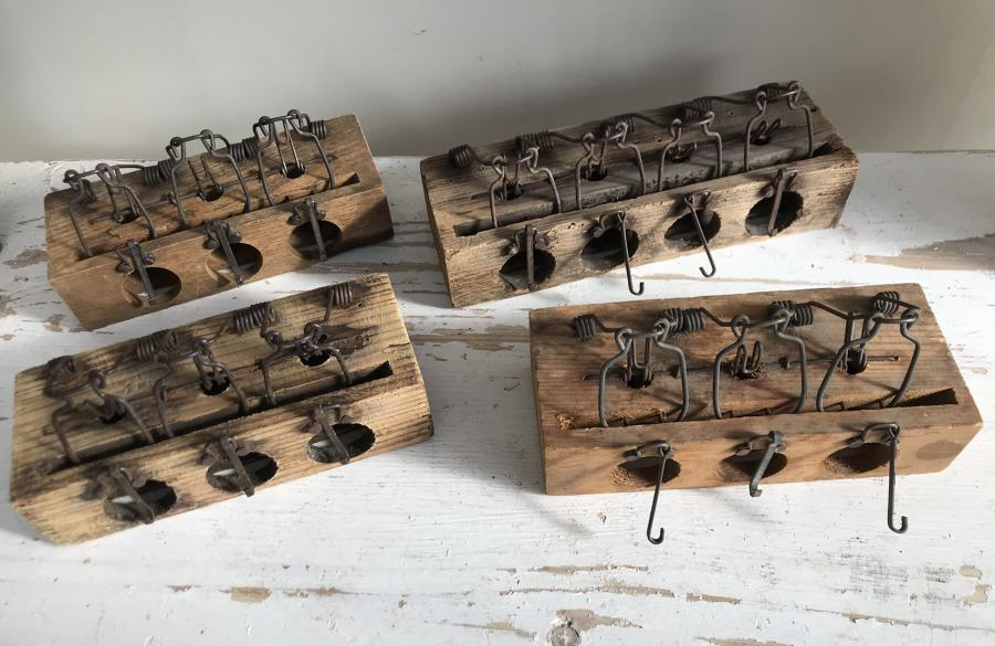 Wood Block Mouse Traps (key set type)