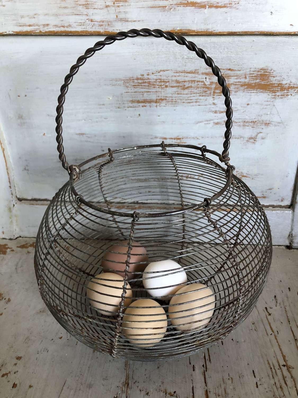 Medium Size Wirework EggBasket