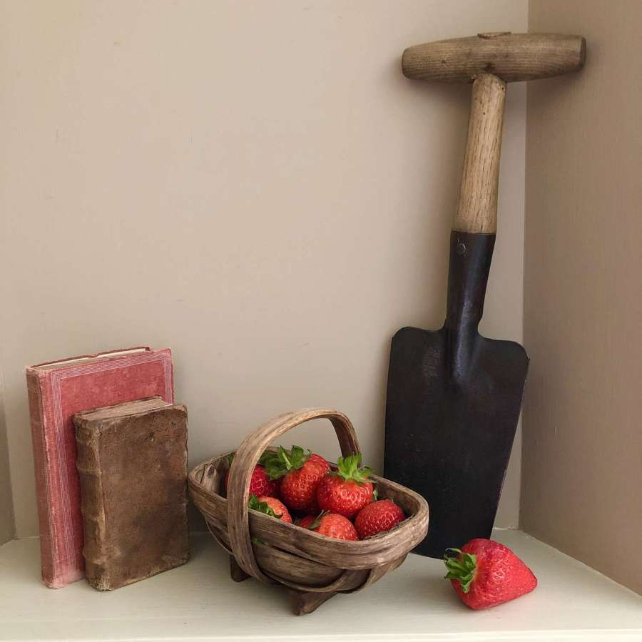 Vintage Strawberry Trowel