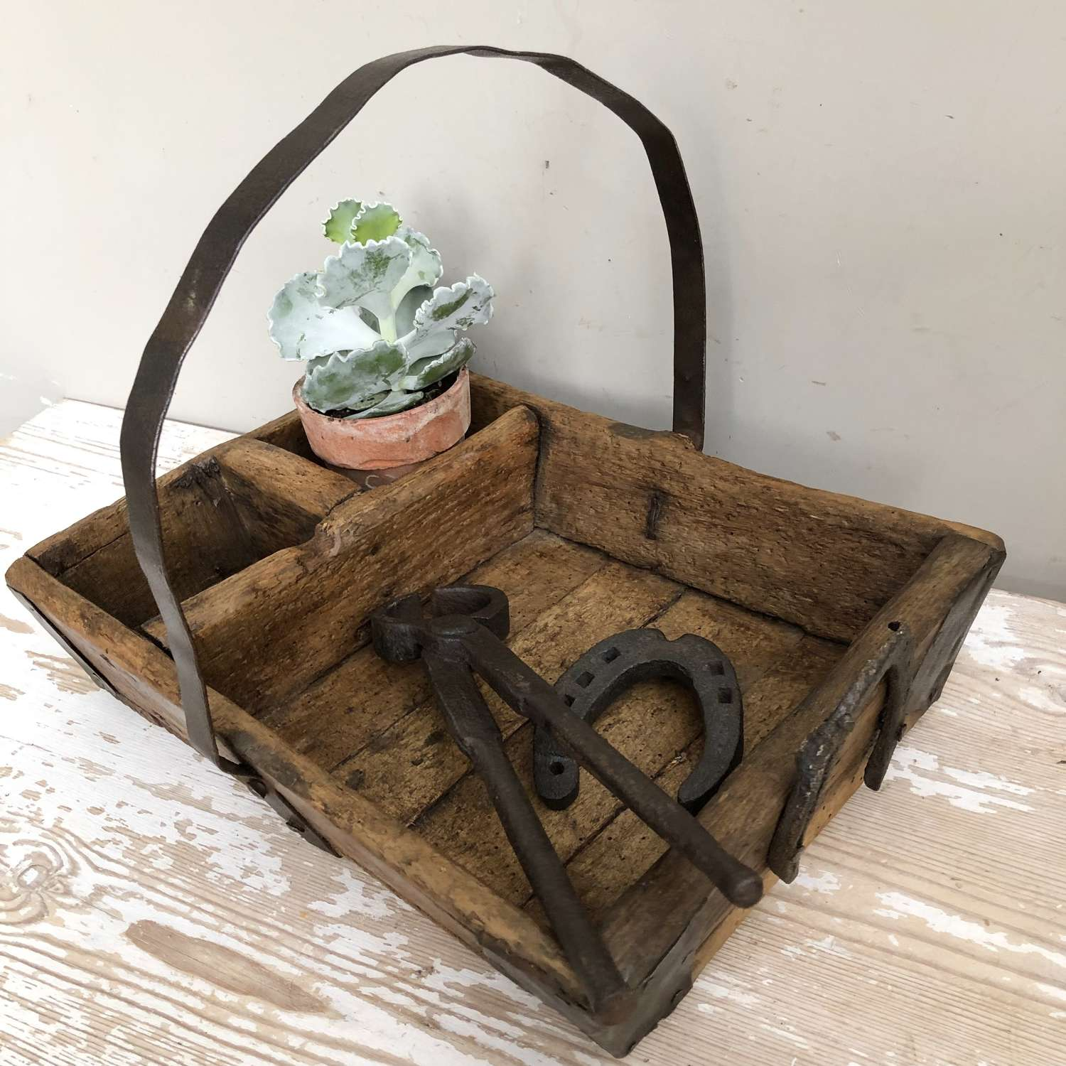 Early Farriers Box